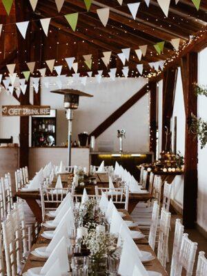fehérasztal
